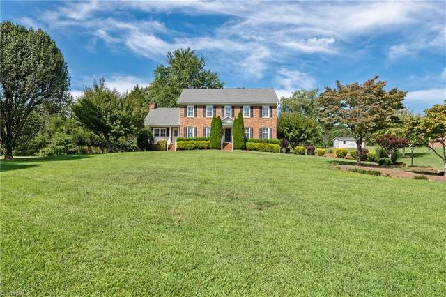2600 Burke Farm Road, Clemmons, NC 27012 (MLS #1041286) :: Ward & Ward Properties, LLC