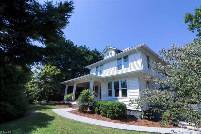 111 E Maple Avenue, Mocksville, NC 27028 (MLS #1041557) :: Berkshire Hathaway HomeServices Carolinas Realty