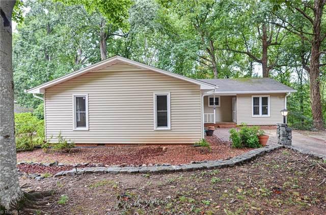318 Foxcroft Drive, Winston Salem, NC 27103 (MLS #1042214) :: Team Nicholson