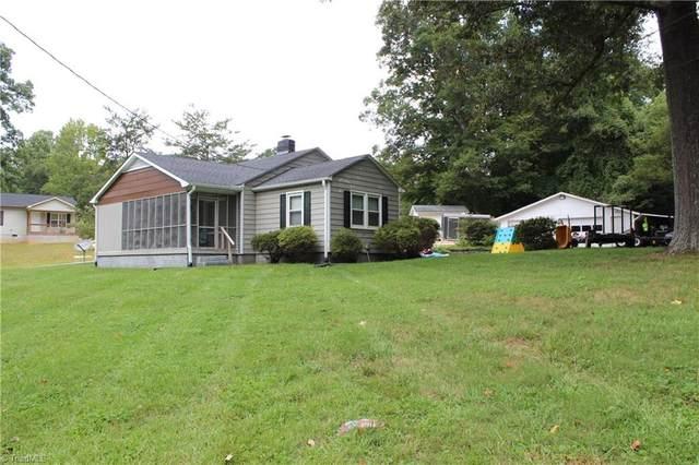 4733 Baux Mountain Road, Winston Salem, NC 27105 (MLS #1042369) :: Berkshire Hathaway HomeServices Carolinas Realty