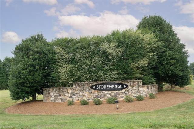 6805 Danbers Court, Oak Ridge, NC 27310 (MLS #1042978) :: Lewis & Clark, Realtors®