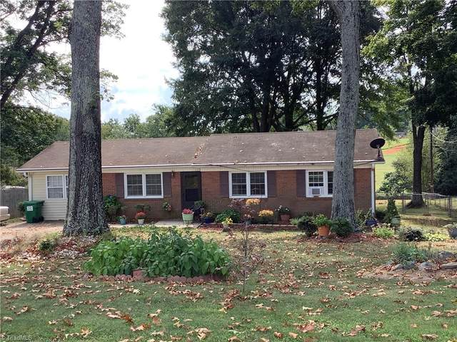 320 Logan Court, King, NC 27021 (#1043047) :: Mossy Oak Properties Land and Luxury