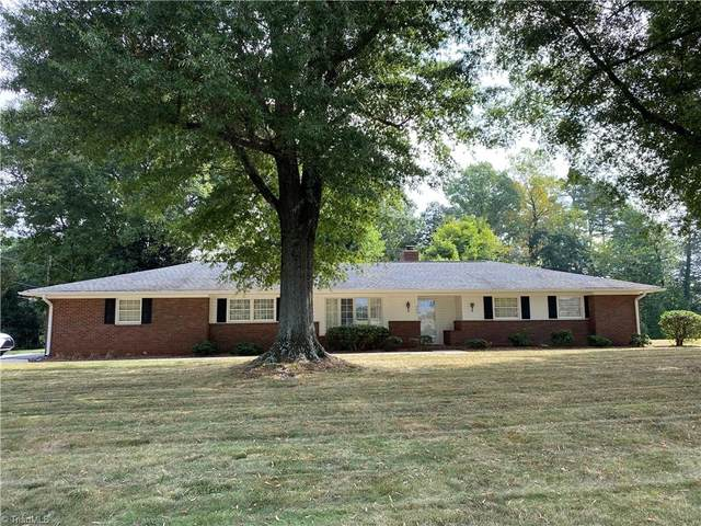 224 West Street, King, NC 27021 (#1043085) :: Mossy Oak Properties Land and Luxury