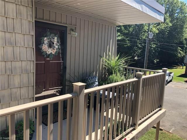 3822 Country Club Road L, Winston Salem, NC 27104 (MLS #1043612) :: Berkshire Hathaway HomeServices Carolinas Realty
