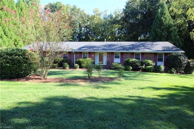 903 Fairidge Drive, Jamestown, NC 27282 (MLS #1043701) :: Hillcrest Realty Group