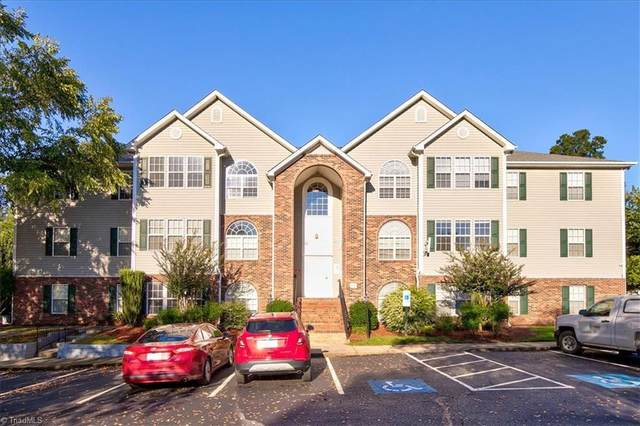 834 Scholastic Drive, Winston Salem, NC 27106 (MLS #1043731) :: Berkshire Hathaway HomeServices Carolinas Realty