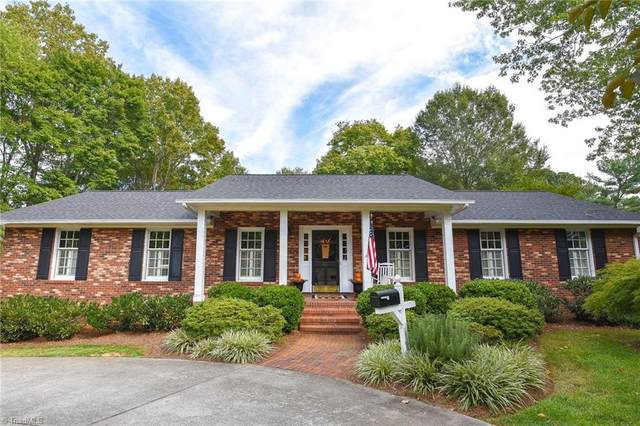 381 Dover Drive, Winston Salem, NC 27104 (MLS #1043970) :: Witherspoon Realty