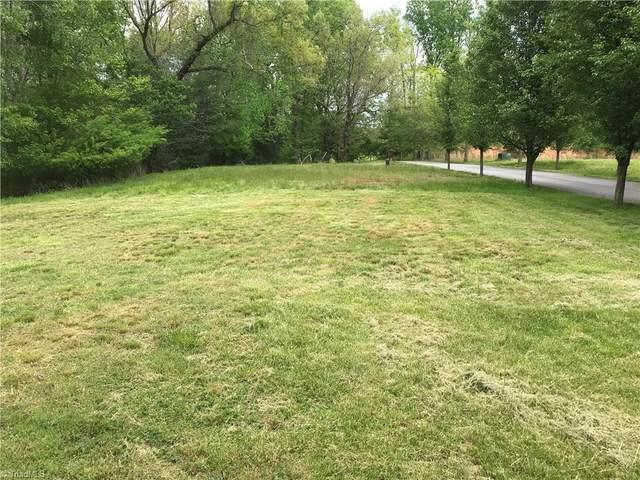 Lots 14 & 15 Lakepoint Drive, Wilkesboro, NC 28697 (MLS #1043993) :: Ward & Ward Properties, LLC