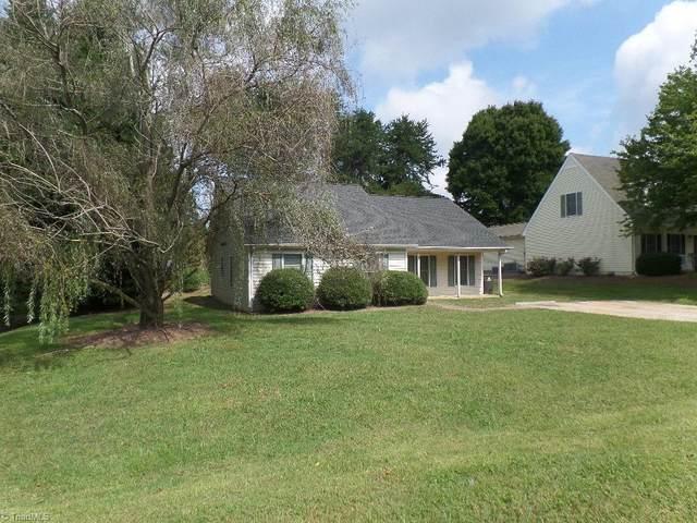 4301 Oak Glen Drive, Winston Salem, NC 27107 (MLS #1044740) :: Berkshire Hathaway HomeServices Carolinas Realty