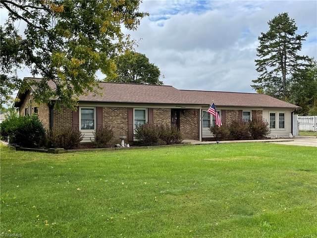 1700 Rosehill Court, Kernersville, NC 27284 (#1045287) :: Mossy Oak Properties Land and Luxury