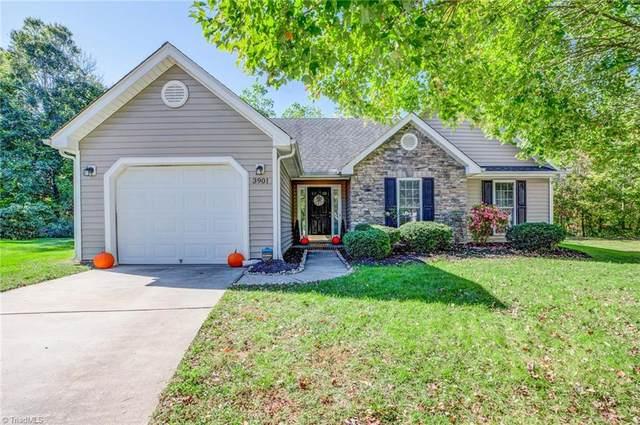 3901 Pepperbush Drive, Greensboro, NC 27405 (MLS #1046742) :: Ward & Ward Properties, LLC