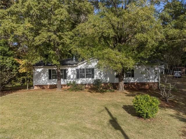 7557 Hampton Road, Clemmons, NC 27012 (MLS #1046864) :: Lewis & Clark, Realtors®