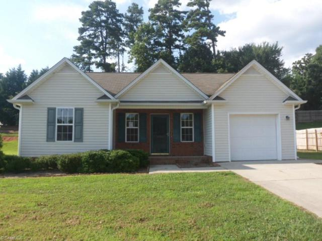 1985 Tea Berry Court, Winston Salem, NC 27127 (MLS #846677) :: Kristi Idol with RE/MAX Preferred Properties
