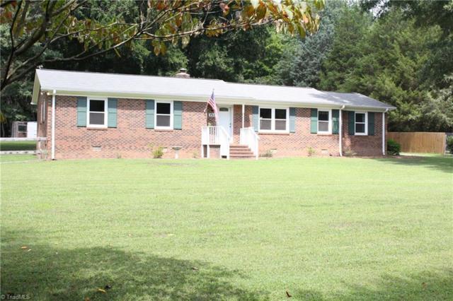 3511 Edgefield Road, Greensboro, NC 27409 (MLS #846747) :: Kristi Idol with RE/MAX Preferred Properties