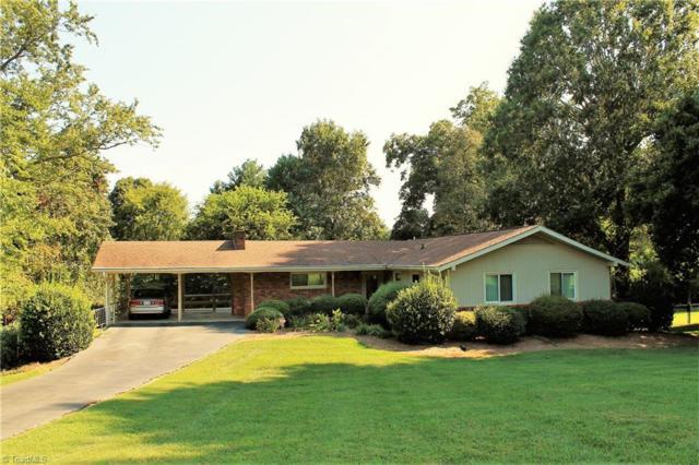 2904 Pioneer Trail, Winston Salem, NC 27106 (MLS #846969) :: Banner Real Estate
