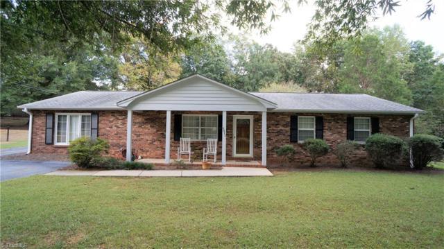 4611 Bridle Path, Winston Salem, NC 27103 (MLS #851418) :: Kristi Idol with RE/MAX Preferred Properties