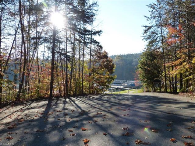 7640 Crossing Ridge Drive, Belews Creek, NC 27009 (MLS #859152) :: Kristi Idol with RE/MAX Preferred Properties