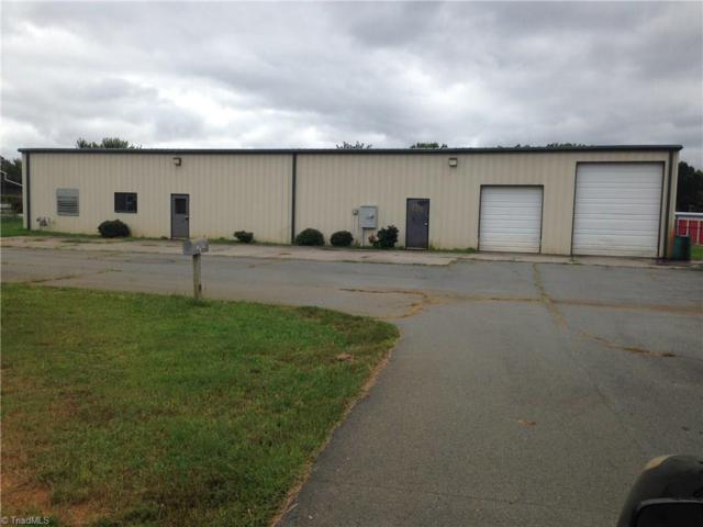 124 Custom Drive, Mocksville, NC 27028 (MLS #859529) :: Kristi Idol with RE/MAX Preferred Properties
