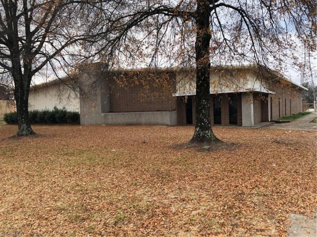 3008 Executive Drive, Greensboro, NC 27406 (#860621) :: Carrington Real Estate Services