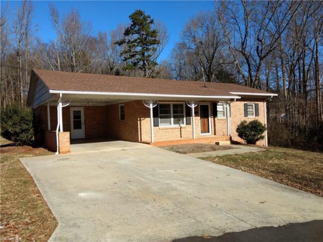 309 Duke Street, Mocksville, NC 27028 (MLS #860871) :: Kristi Idol with RE/MAX Preferred Properties