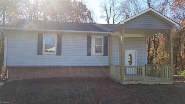 3216 Forestview Drive, High Point, NC 27260 (MLS #861784) :: Kristi Idol with RE/MAX Preferred Properties