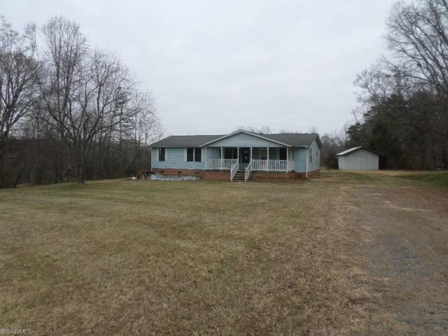 164 Sandy Creek Lane, Pilot Mountain, NC 27041 (MLS #871342) :: Banner Real Estate