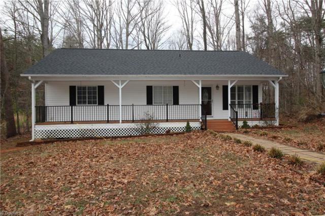 4275 Rolling Hill Drive, Tobaccoville, NC 27050 (MLS #874637) :: Kristi Idol with RE/MAX Preferred Properties