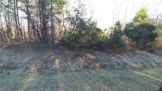 824 Prince Edward Road, Kernersville, NC 27284 (MLS #875611) :: Kristi Idol with RE/MAX Preferred Properties