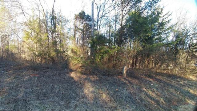828 Prince Edward Road, Kernersville, NC 27284 (MLS #875612) :: Kristi Idol with RE/MAX Preferred Properties