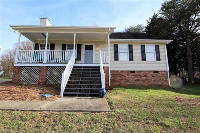 3744 Signet Drive, Winston Salem, NC 27101 (MLS #880302) :: Kristi Idol with RE/MAX Preferred Properties