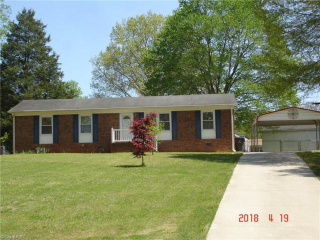 465 Forest Lake Circle, Kernersville, NC 27284 (MLS #883188) :: Lewis & Clark, Realtors®