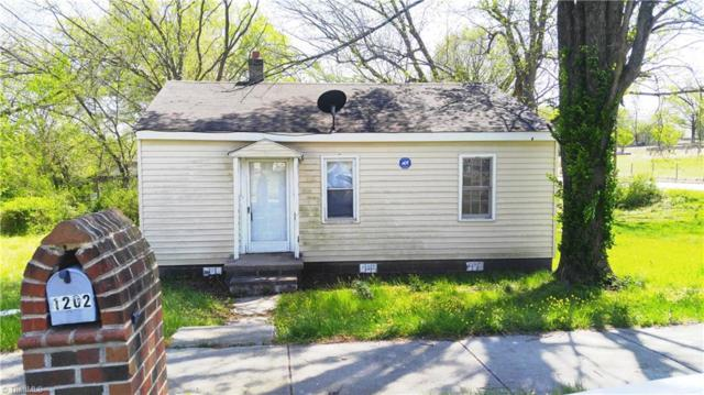 1202 Hoover Avenue, High Point, NC 27260 (MLS #883268) :: Kristi Idol with RE/MAX Preferred Properties
