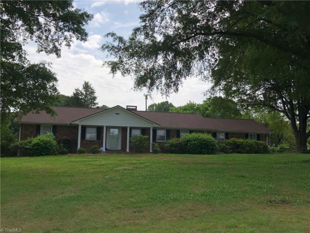 4715 Paula Drive, Winston Salem, NC 27127 (MLS #889500) :: Banner Real Estate