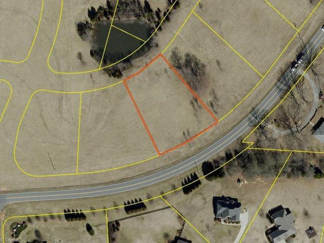 7904 E Gander Court, Greensboro, NC 27320 (MLS #891302) :: Kristi Idol with RE/MAX Preferred Properties