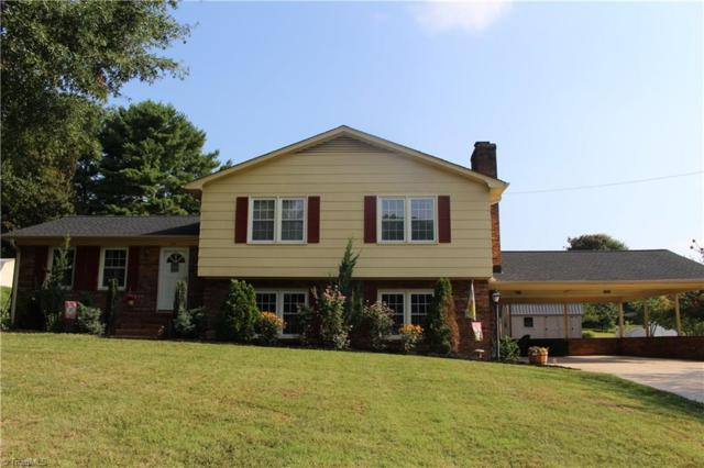 302 Palace Drive, Winston Salem, NC 27107 (MLS #894381) :: Kristi Idol with RE/MAX Preferred Properties