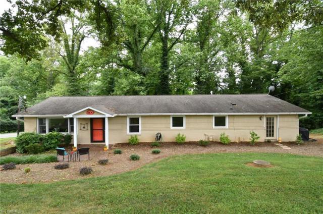 3100 Briarcliffe Road, Winston Salem, NC 27106 (MLS #895567) :: Kristi Idol with RE/MAX Preferred Properties