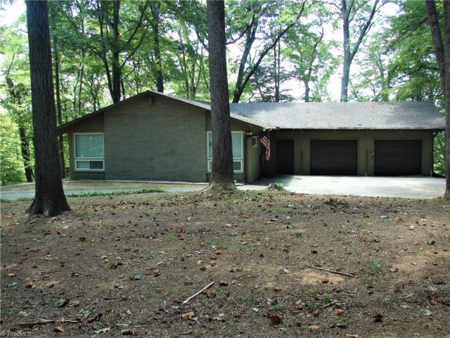 5564 Overlook Circle, Winston Salem, NC 27105 (MLS #895574) :: Kristi Idol with RE/MAX Preferred Properties