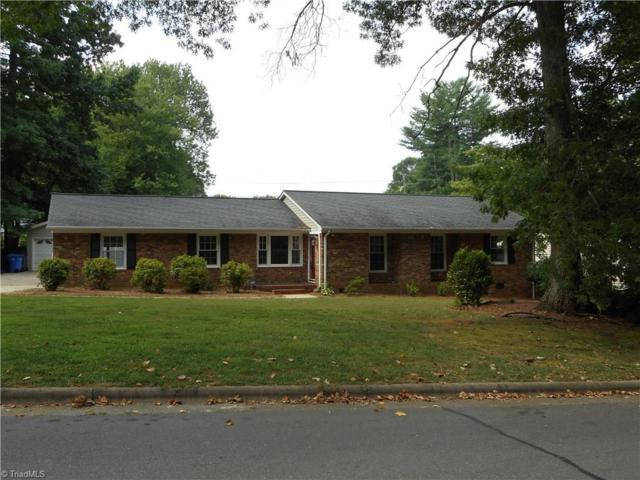 823 Branchwood Drive, Kernersville, NC 27284 (MLS #895693) :: Kristi Idol with RE/MAX Preferred Properties