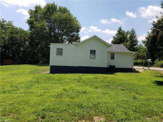 4015 Marchester Way, Greensboro, NC 27407 (MLS #895697) :: Kristi Idol with RE/MAX Preferred Properties