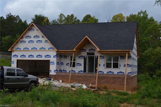 2414 Heritage View Lane, Thomasville, NC 27360 (MLS #895927) :: Kristi Idol with RE/MAX Preferred Properties