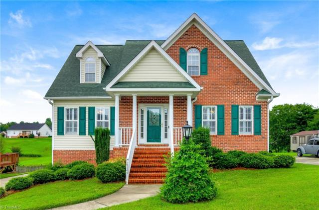 2524 Knob Hill Drive, Clemmons, NC 27012 (MLS #897445) :: Banner Real Estate