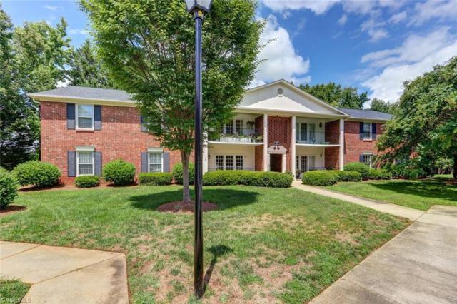 17 Fountain Manor Drive C, Greensboro, NC 27405 (MLS #897972) :: Kristi Idol with RE/MAX Preferred Properties