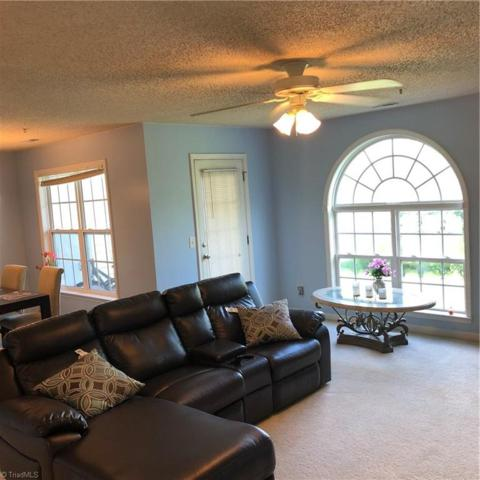 4315 Cedarcroft Court 2B, Greensboro, NC 27409 (MLS #902645) :: Kristi Idol with RE/MAX Preferred Properties