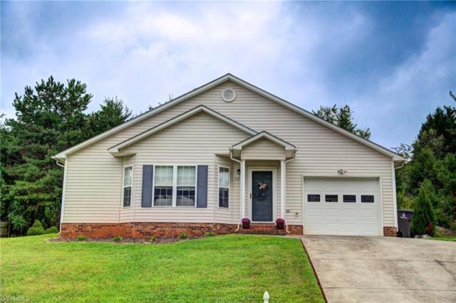 1616 Hawkcrest Lane, Winston Salem, NC 27127 (MLS #903079) :: Kristi Idol with RE/MAX Preferred Properties