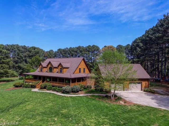 7510 Whitaker Drive, Summerfield, NC 27358 (MLS #905614) :: Kristi Idol with RE/MAX Preferred Properties