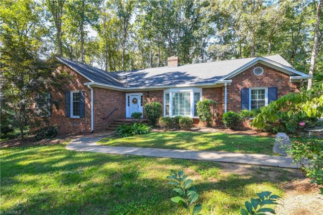 4914 Forest Oaks Drive, Greensboro, NC 27401 (MLS #906148) :: Lewis & Clark, Realtors®