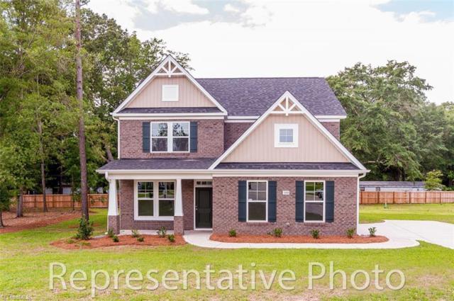 6153 Barrington Oaks Drive, Clemmons, NC 27012 (MLS #909456) :: Kristi Idol with RE/MAX Preferred Properties