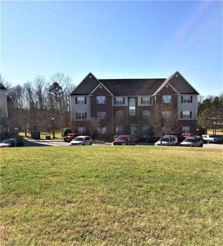 6941 Hanesbrook Circle, Clemmons, NC 27012 (MLS #910172) :: Kristi Idol with RE/MAX Preferred Properties