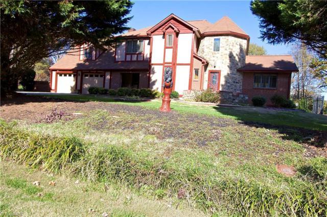 6101 Hampton Meadows Lane, Clemmons, NC 27012 (MLS #910420) :: HergGroup Carolinas