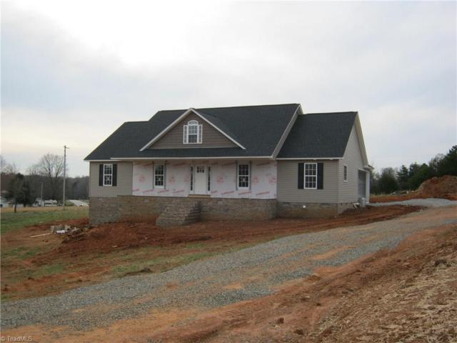 145 English Oaks Lane, Thomasville, NC 27360 (MLS #912101) :: Kristi Idol with RE/MAX Preferred Properties